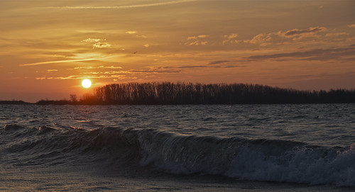 Cherry Beach wave at sunrise