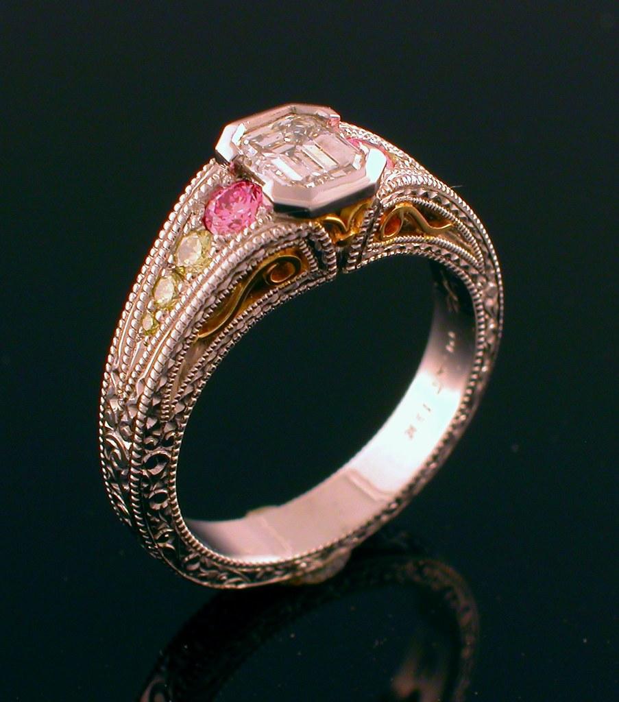 SQUARE CUT DIAMOND ENGAGEMENT RINGS
