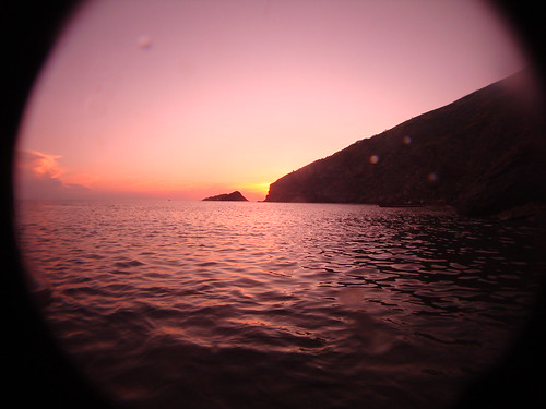 Sunset Taganga, Colombia by melaganodeojo
