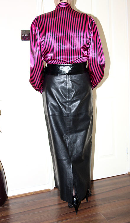 leather full length skirt - a photo on Flickriver