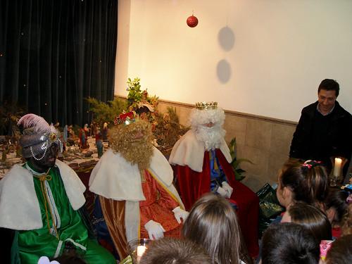 Los Reyes Magos visitan a los niños del Rescate (I)