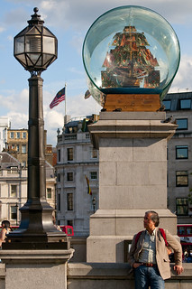UK - London - Trafalgar Square - Ship in a bottle 02