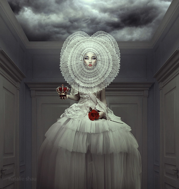 white_queen_by_natalieshau-d45ylp3