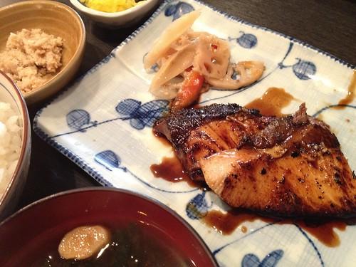 寒ブリの照り焼き定食880円@さかな・炙り 暖