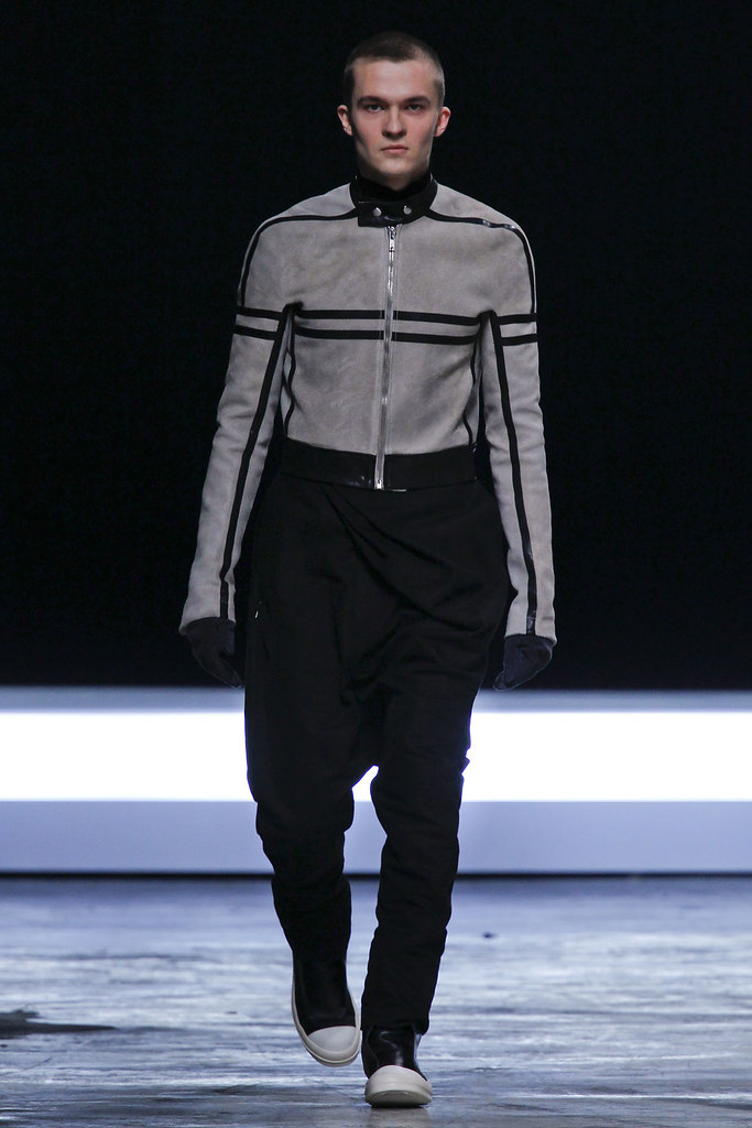 FW12 Paris Rick Owens025(VOGUE)