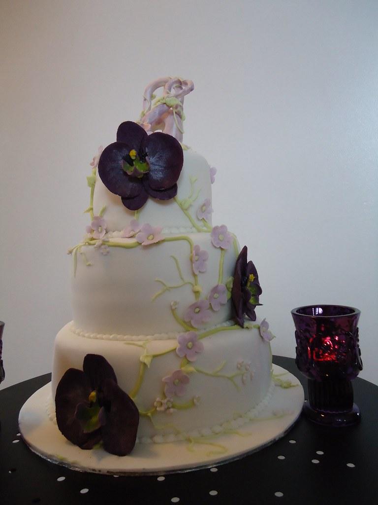 Künstlerisch Hochzeitstorte Lila Das Beste Von 3 Stöckige Mit Essbaren Orchideen Aus Zucker