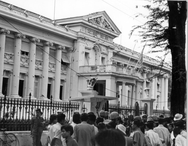 va000898 Gia Long Palace in Saigon, 1963. Douglas Pike Photograph Collection
