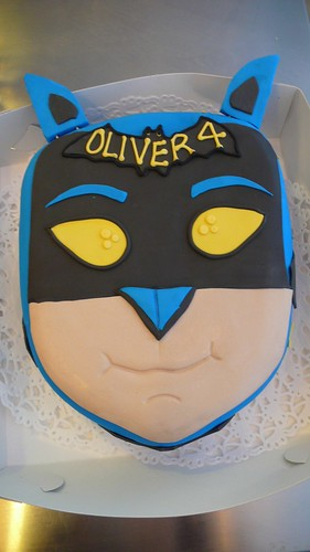 Batman Cake by CAKE Amsterdam - Cakes by ZOBOT