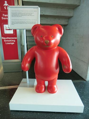 A cute bear @ Zurich airport