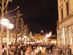 Stuttgarter Weihnachtsmarkt bei Nacht