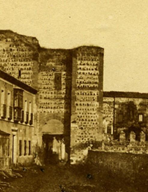 Puerta de San Ildefonso hacia 1858. Fotografía estereoscópica editada por  Chez Alexis Gaudin et frère. Propiedad de Carlos Sánchez Gómez