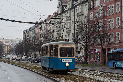 Neben dem D/f-Zug rückte nur der Heidelberger als historischer Wagen aus.