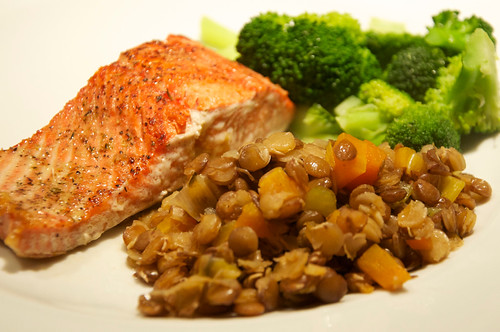 salmon & lentils DishesMenLike photo