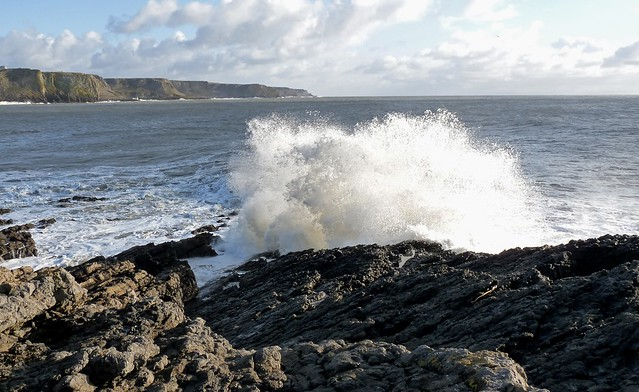 25417 - Waves at Tears Point, Gower