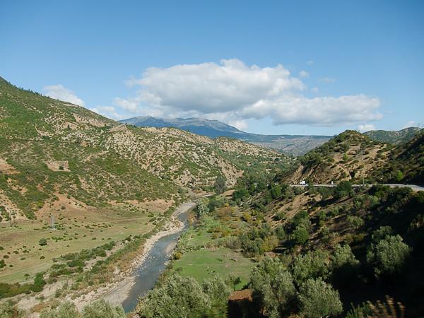 Maroc 2011 - Vallée verdoyante - Massif du Rif
