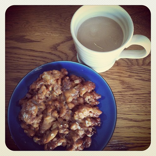 Apple fritter and coffee ( instagram)