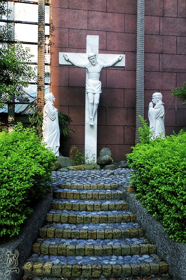 三峽近半世紀教堂|三峽聖母領報天主堂~近中園油飯