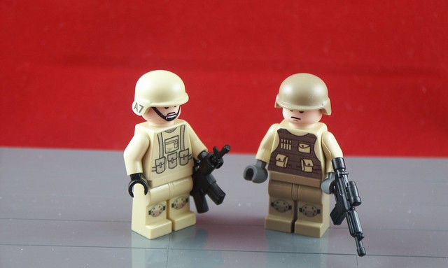 Old and New Lego Minifig Modern Combat designs, which is better?