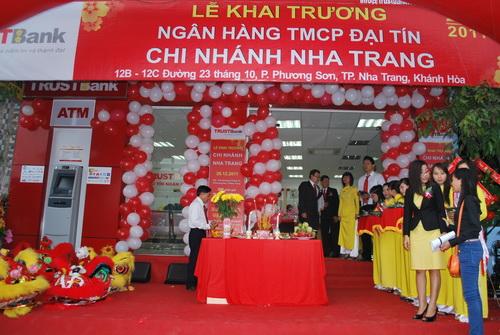 Cong-ty-GTO-Media-To-chuc-su-kien-Le-khai-truong-ngan-hang-Dai-tin-Trust-bank-Chi-nhanh-Nha-Trang (27)