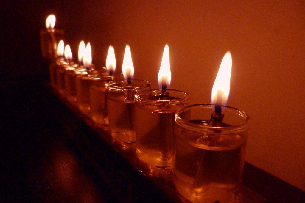 27-12-2011-chanuka-8th-candle