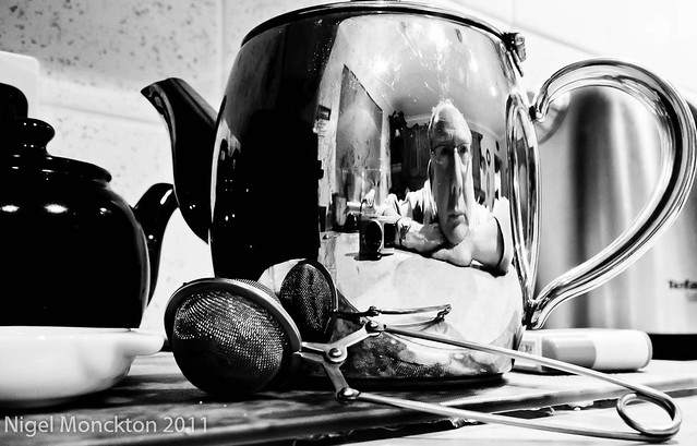 1000/691: 03 Jan 2012: Self-portrait in a teapot