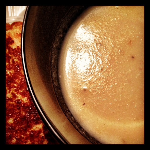 Creamy Potato Cauliflower Soup and Grilled Cheese #shouldabeenafoodblogger #mmmm