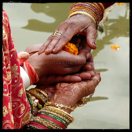 wedding people india love water river square blessings groom bride hands colours hand faith mother marriage atmosphere soul devotion varanasi kashi ganga bangles ganges benares benaras uttarpradesh भारत indiasong