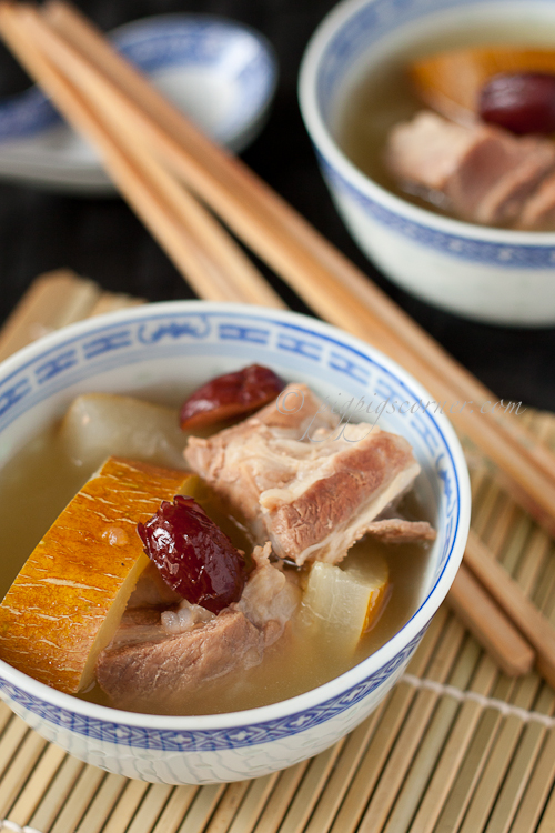 Old Cucumber and Pork Ribs Soup 老黄瓜排骨汤