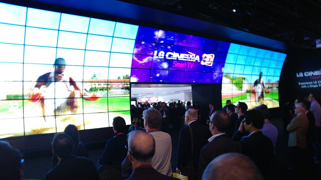 CES 2012 LG Cinema 3D Smart TV