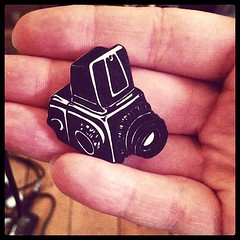 Custom illustrated camera brooch :)