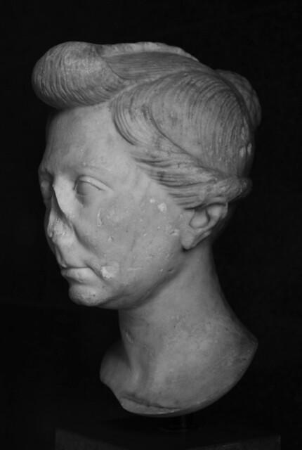 Portrait of a Roman Woman (left): Copenhagen 2750