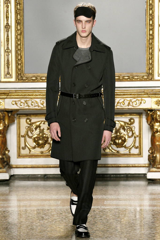 FW12 Milan Nicole Farhi032_James Smith(VOGUE)