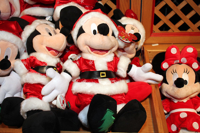 Christmas plush at La Boutique du Château