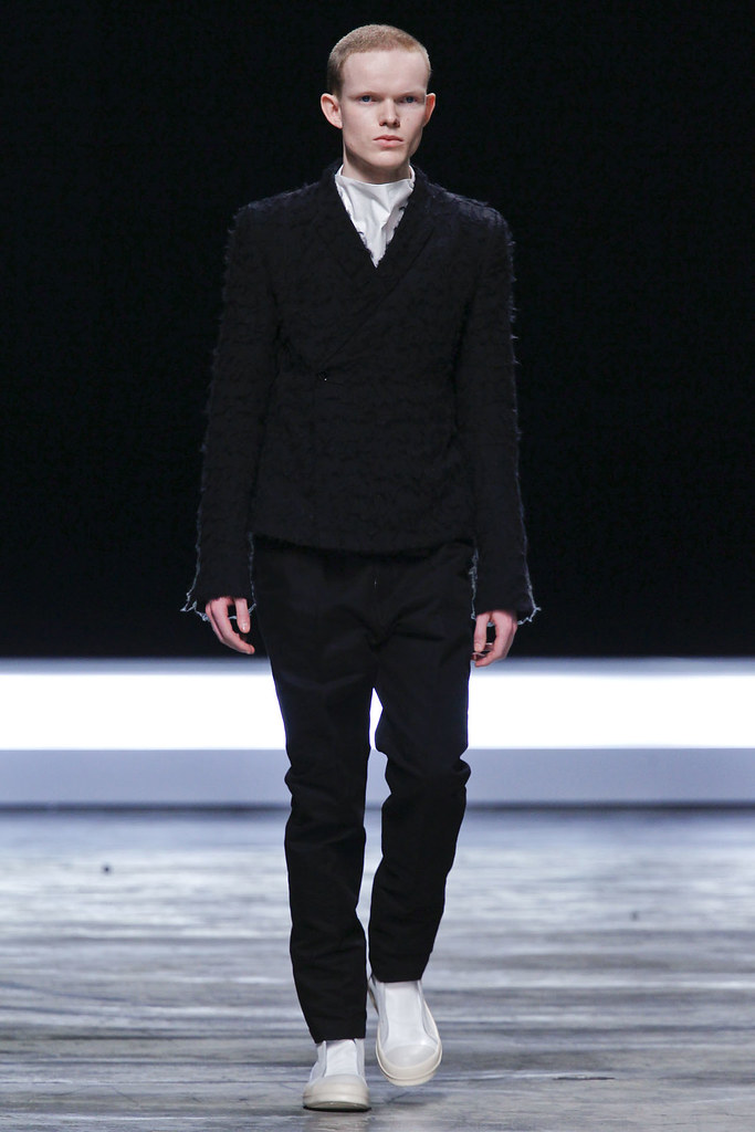 FW12 Paris Rick Owens018_Rory O' Hara(VOGUE)