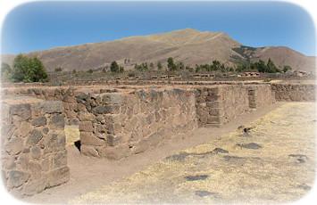 recintos-arqueologicos-raqchi-canchis-cusco