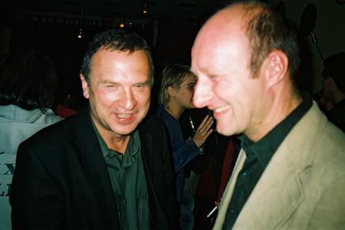 Wolfgang Staehle und Andreas Kallfelz in der Goldfinger Bar, 2002