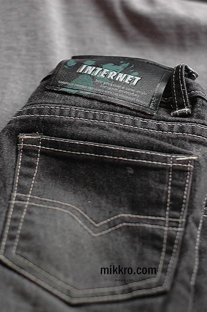 Internet jeans