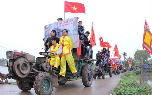 6794335941 a6b69f10e7 Lễ hội Chạy lợn ở Hà Nội Nóng bừng 3 phút mổ lợn khao quân