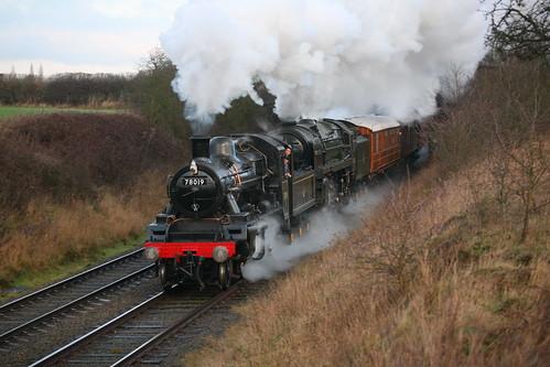 BR Darlington Standard Class 2MT 2-6-0 78019 & BR Standard Class 7P6F 'Britannia' 4-6-2 70013 'Oliver Cromwell'
