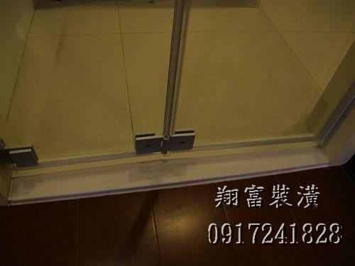 3.7廚房玻璃折門