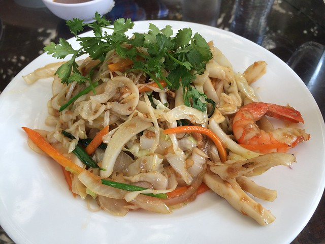 Rice vermicelli with seafood - Nha Hang Ngon