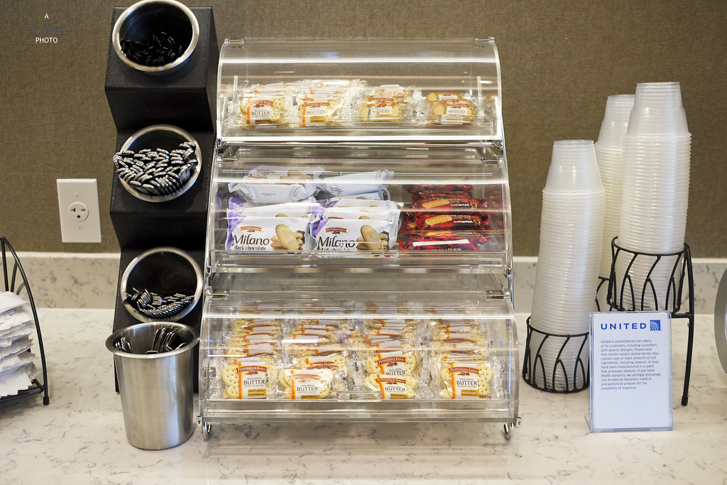 Snacks in the United Club