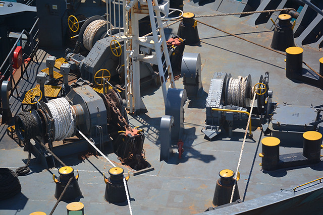 Fanfare deck winches