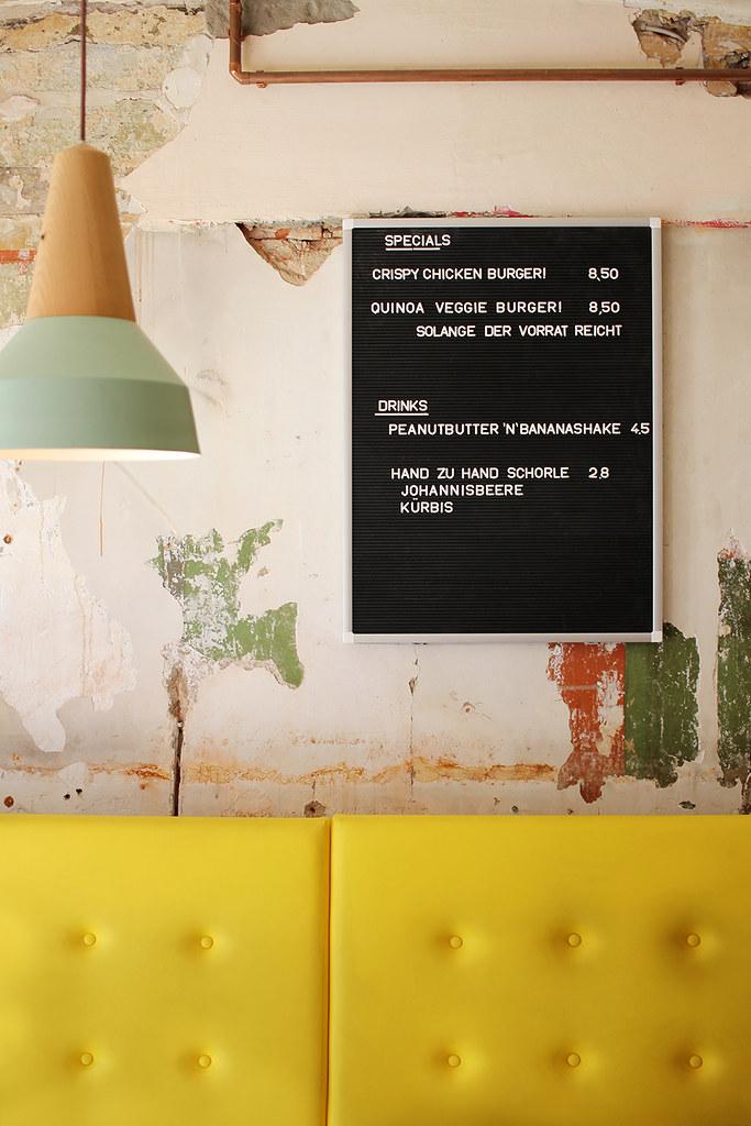Kaffeeklatsch: Playground Coffee + Ottos Burger Grindel (Hamburg)