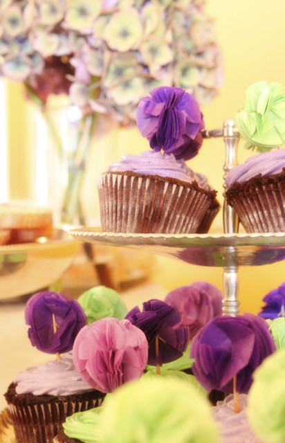 8.1 Meghannslittlecorner-Purple Pom-Pom Cupcake Toppers