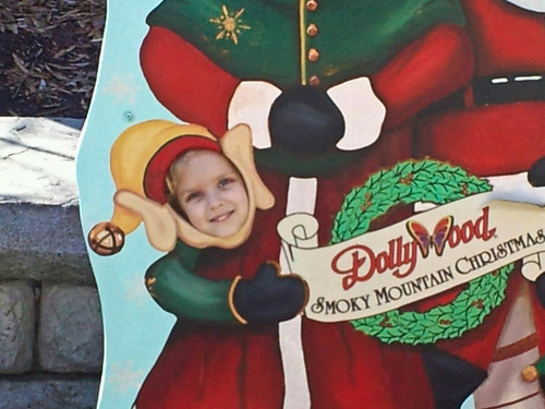 Kylie_dollywood_November2011_b.jpg