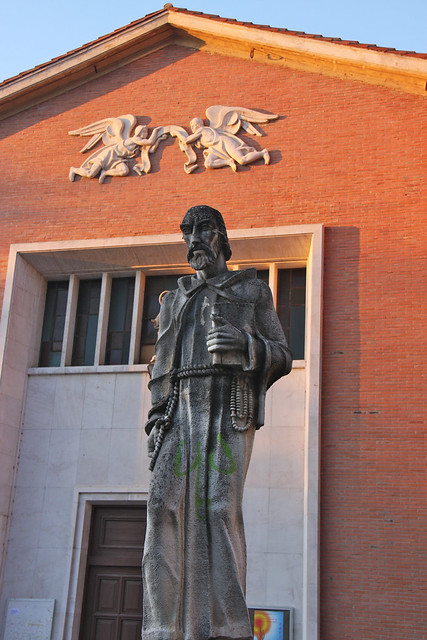 Fray Pablo Statue in Colindres