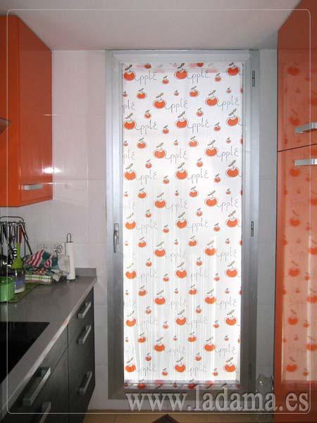 Visillo para puerta de cocina naranja flickr photo for Cortinas para puertas de armarios
