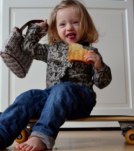 Mein Kleinkind ist auch ohne unerfüllbare Vorsätze gut gelaunt :)