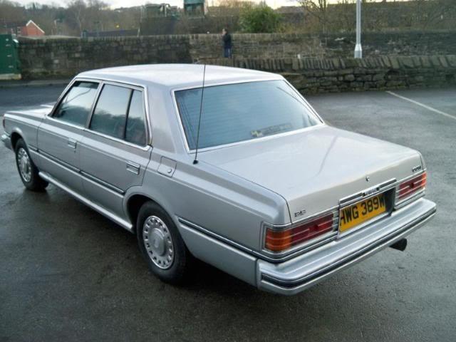 Купить toyota crown 2000 в комсомольске-на-амуре, коробка автоматическая, седан, правый руль, черный, с документами
